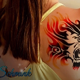 Artist Amersfoort  (NL) Temporary airbrush (uv) tattoos
