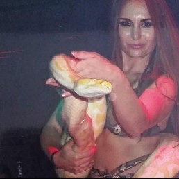 Danseres met slang
