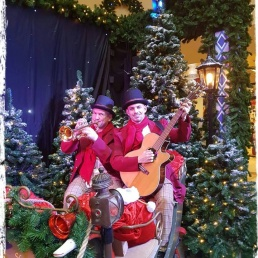 Band Leersum  (NL) Charles Dickens ambulant muziek duo