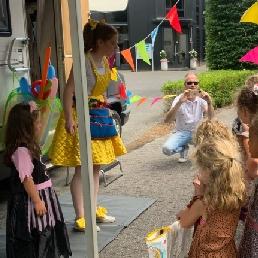 Balloon artist Utrecht  (NL) Bella Balloon Balloon Show