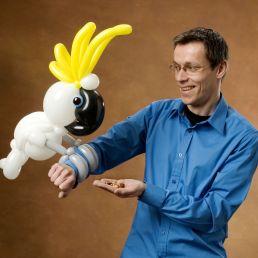 Kindervoorstelling Apeldoorn  (NL) Deluxe Ballon Act door Ballonkunstenaar Patrick