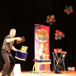 Kids show Asten  (NL) Goochelshow van Rolando