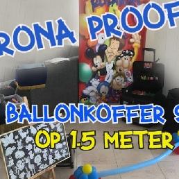 Ballonartiest Rolando op 1.5 meter