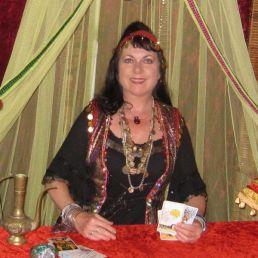 Waarzegger Groningen  (NL) Waarzegster Samiera, tarotkaarten leggen