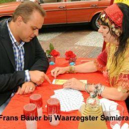 Waarzegster Samiera, tarotkaarten leggen