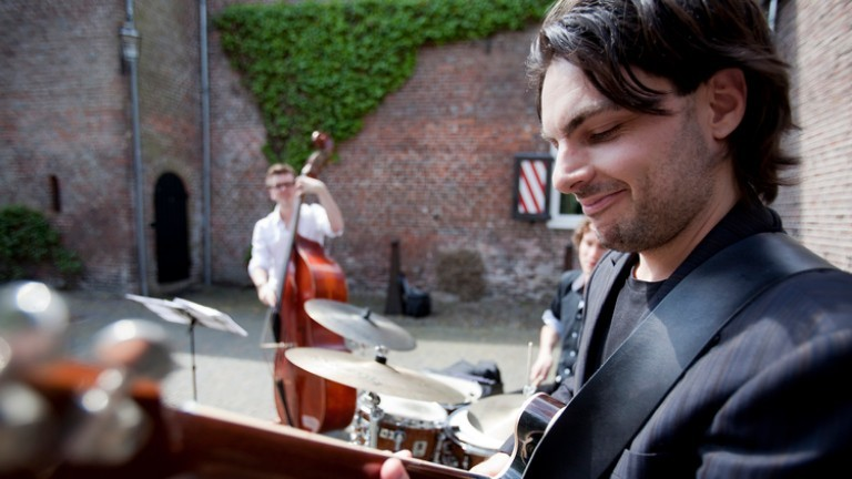 Fine Jazz Trio Gitaar