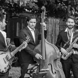 Band Eindhoven  (NL) Fine Jazz Trio gitaar, sax en contrabas