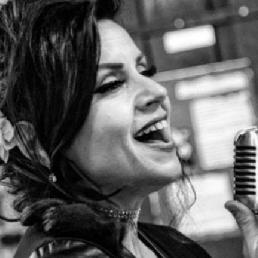 Zangeres Maassluis  (NL) Tribute to Amy Winehouse + JCC DJ