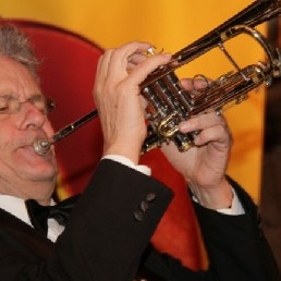 Trompettist Vlaardingen  (NL) Koos van der Hout (Trompettist)