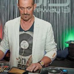 DJ Louis