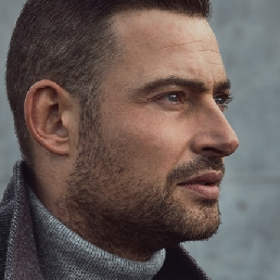 Singer (male) Uden  (NL) Long French