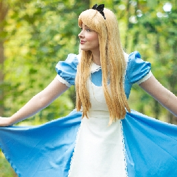 Character/Mascott Assen  (NL) Alice from Wonderland at your event