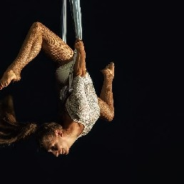 Aerial Act 'Champagne uit de lucht'