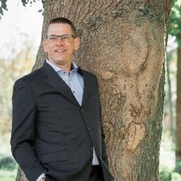Speaker De Lier  (NL) Word je een boom of blijf je een eikel?