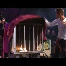 Tim Slaats Fairground magician