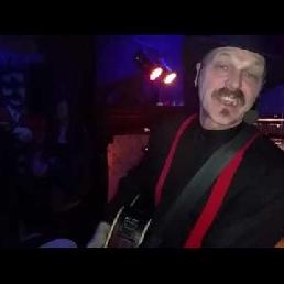 Entertainer Rob Meyer