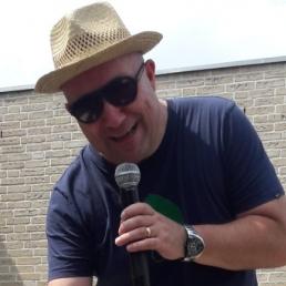 Presentator Soerendonk  (NL) A3 Compen VEILINGMEESTER
