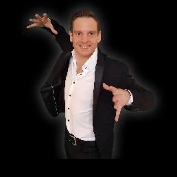 Magician Amsterdam  (NL) Professional table magician Maarten
