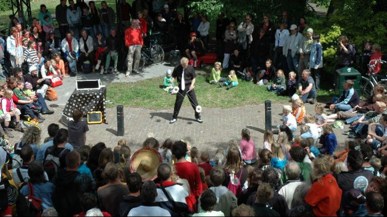 Street theatre: magic & circus