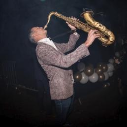 Saxofonist Haarlem  (NL) Saxofonist Ruud de Vries bij DJ