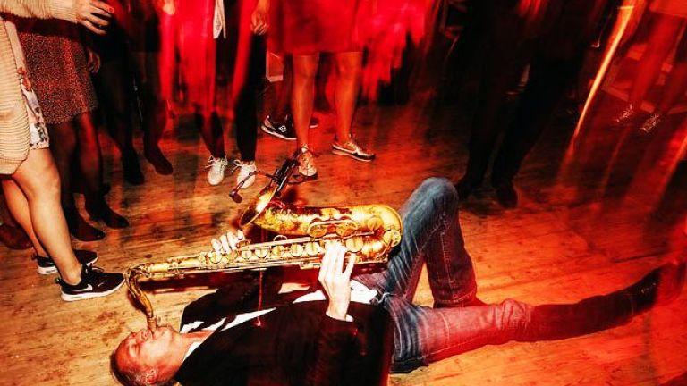 Saxofonist Ruud de Vries bij je DJ!