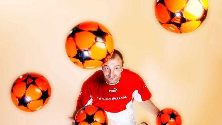 Juggler Finsterwolde  (NL) Marco Bonisimo (Football) Juggler