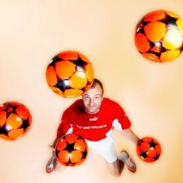 Jongleur Finsterwolde  (NL) Marco Bonisimo (Voetbal) Jongleur