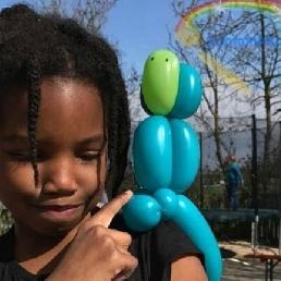 Balloon artist Amsterdam  (NL) Balloon artist Marielle