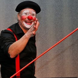 Magic clown Enrique