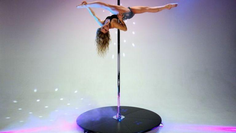 Acrobat Zaandam  (NL) Acrobatic Pole Dance