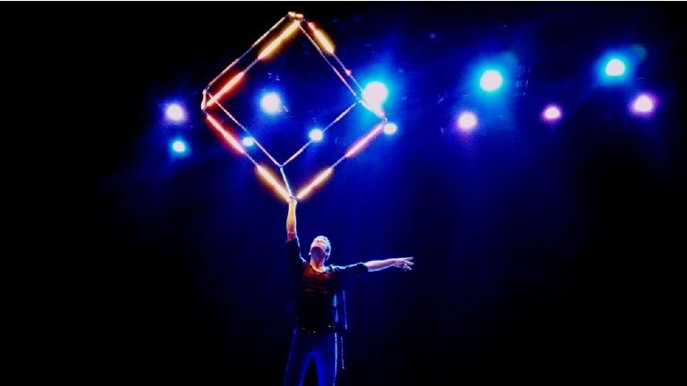 LED Cube - Visual juggling Act