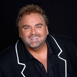 Singer (male) Volendam  (NL) Peter Beense