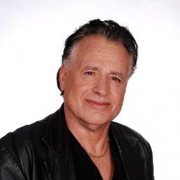 Singer (male) Volendam  (NL) George Baker