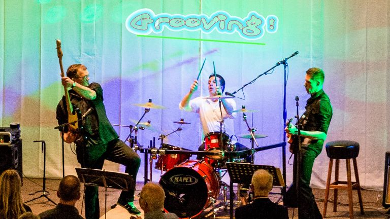 The Groove pop / rock coverband