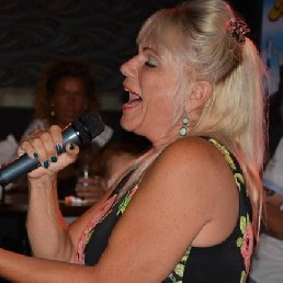 Zangeres Rotterdam  (NL) Tina Turner Act - Zangeres Linda
