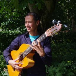 Guitarist Eindhoven  (NL) Guitar: Spanish, Brazilian, Jazz and Classical