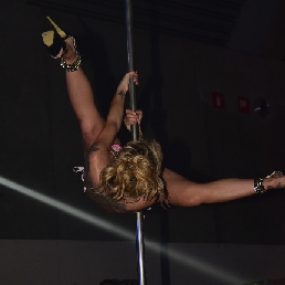 Danser Deux-Acren  (BE) Paaldanseres Kelly Van Hoorde