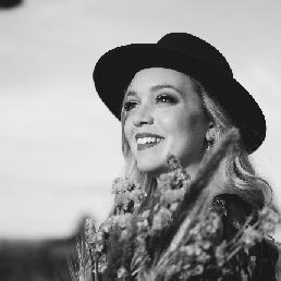 Singer (female) Waalwijk  (NL) Kimmy June