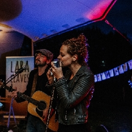 Band Beek  (Gelderland)(NL) Lara Leaves (Acoustic trio)