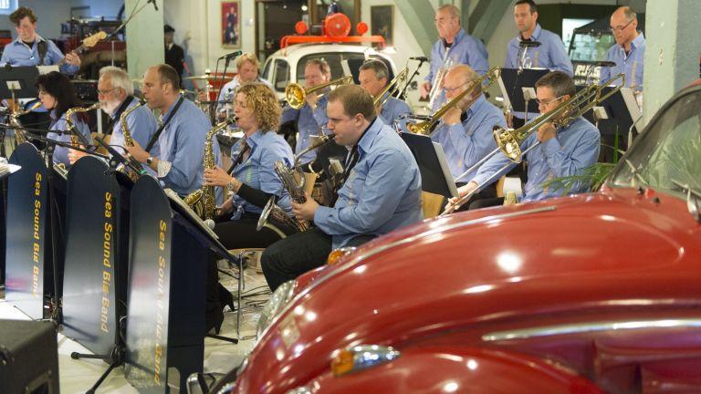 Swinging performance of the Sea Sound Big Band